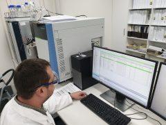 Using Mass Spectrometry Machine at Leeder Analytical